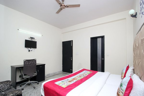 OYO Rooms Noida Sector 71 WP Block - фото 4