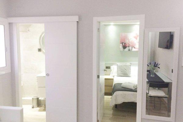 Barcelona Fifteen Luxury Hostel - фото 18