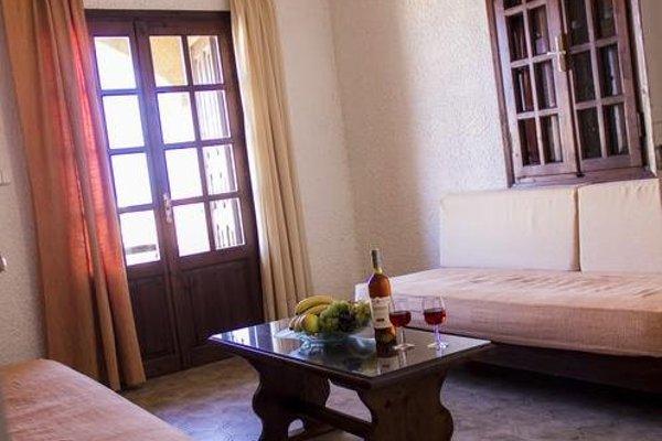 Hesperia Hotel - фото 3