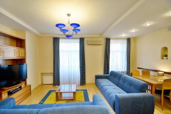 Апартаменты «Aparton Комаровский рынок» - 10