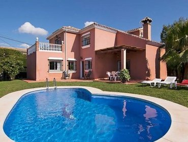 Apartments Rental Villa Villa Dalia - Fuengirola, 4 Bedrooms, 8 Persons