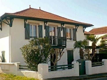 Апартаменты Rental Apartment Maurice Trubert - Biarritz, 2 Bedrooms, 4 Persons