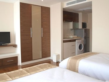 อพาร์ทเมนท์ Studio Apartment in Bang Na with Aircon, Parking, Pool, Gym, and Doorman