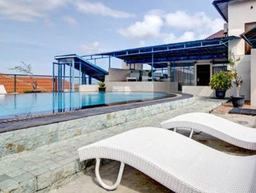 Apartments Studio 7 with Kitchen & Pool - Poppi Kuta