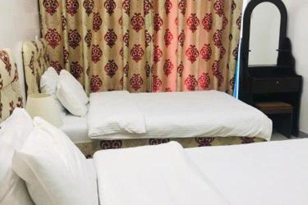 Sky Hotel Apartments - фото 10