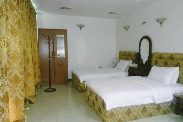 Sky Hotel Apartments - фото 4