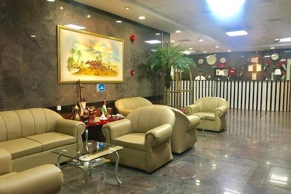 Sky Hotel Apartments - фото 8
