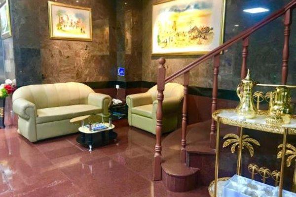 Sky Hotel Apartments - фото 9