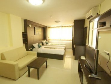 Апартаменты Compact Studio Hotel in Lat Krabang with Aircon, Parking, Doorman, Balcony, and Breakfast-provided