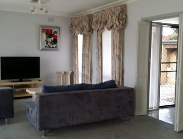 Апартаменты Lovely 3 Bedroom House in Doncaster with Aircon and Parking