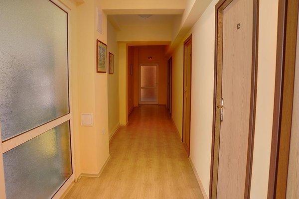 Neon Guest Rooms - фото 15