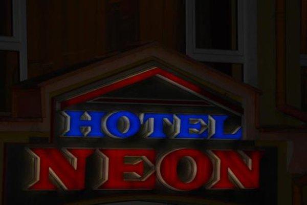 Neon Guest Rooms - фото 19