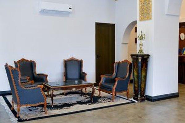 Sputnik Hotel Batumi - фото 6