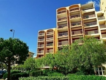 Apartments Rental Apartment Le Capitole - Frejus, 1 Bedroom, 4 Persons