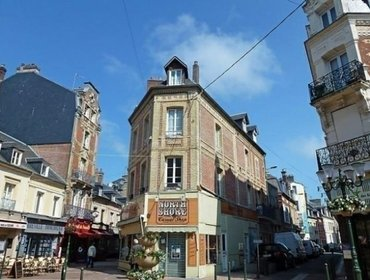 Апартаменты Rental Apartment Orleans - Deauville-Trouville, 2 bedrooms, 5 persons