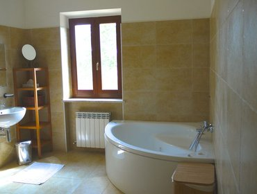 Апартаменты In Montelparo, Marche, impressive villa with 5 ensuite bedrooms & private garden