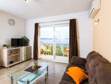 Гестхаус Guest House Fontana - Two Bedroom Apartment with Balcony and Sea View