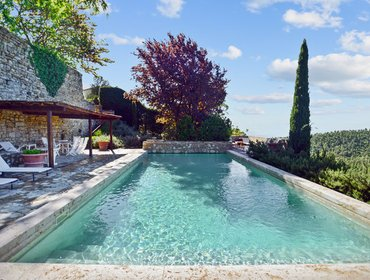 Апартаменты Villa Melissa - large villa in a picturesque Tuscan village, w/ garden, pool and luxurious interiors