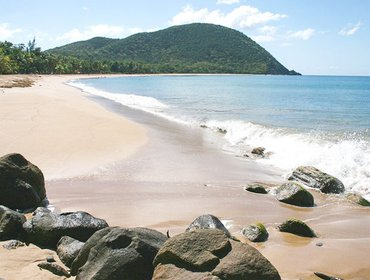 อพาร์ทเมนท์ Spacious villa on the north-west coast of Basse Terre with private pool, near Grande Anse beach