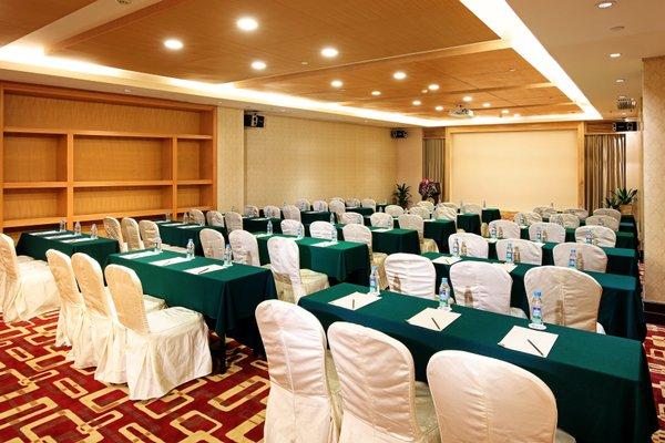 Royal Mediterranean Hotel - 17