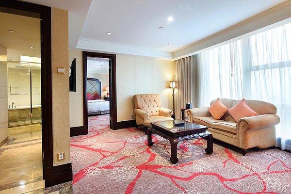 Royal Mediterranean Hotel - 4