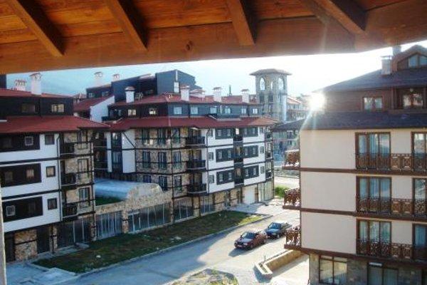 Neon Gondola Lift Apartments - фото 17