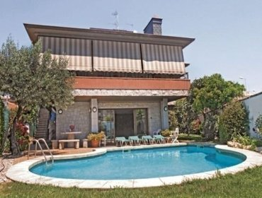 Апартаменты Rental Villa Pineda de Mar - Pineda de Mar, 6 bedrooms, 12 persons