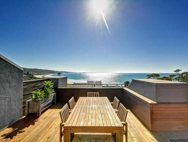 Апартаменты Lorne Beachfront Accommodation