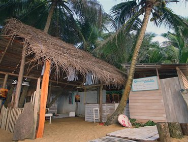 Coco Palm Beach Hostel