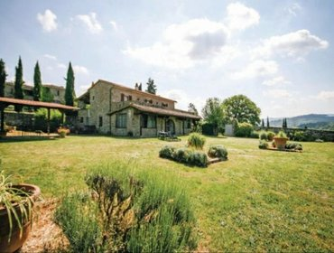 Apartments Rental Villa Borgo La Casinaeee - Bucine, 9 bedrooms, 22 persons