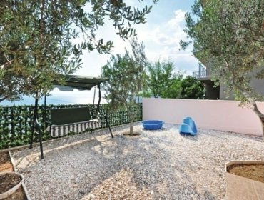 Apartments Rental Villa Omis - Omis, 8 bedrooms, 16 persons