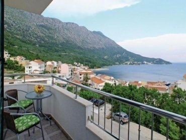 Апартаменты Rental Apartment Makarska-Igrane - Igrane, 2 bedrooms, 5 persons