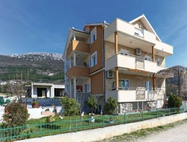 Апартаменты Rental Apartment Trogir-Kastel Stari - Kastel Stari, 3 bedrooms, 7 persons