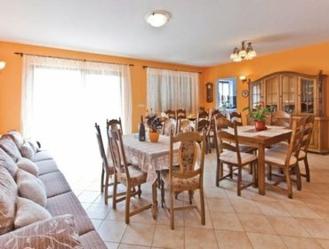 Apartments Rental Villa Visnjan-Brezac - Visnjan, 9 bedrooms, 21 persons