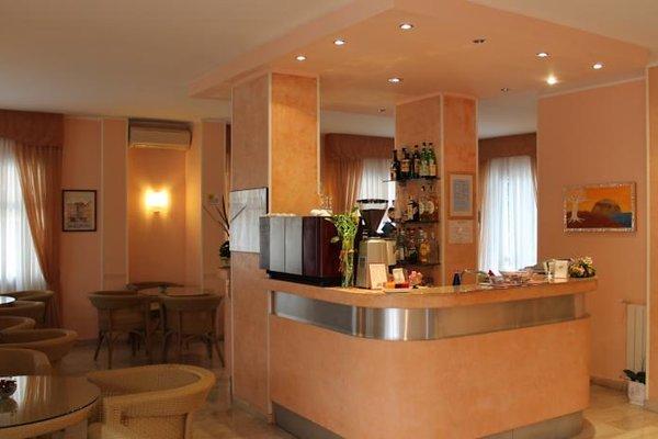 Hotel Capri - 15
