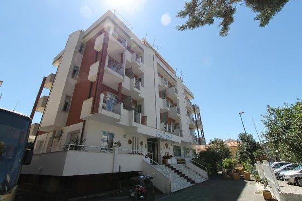 Hotel Capri - 22