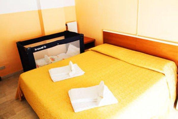 Hotel Capri - 4
