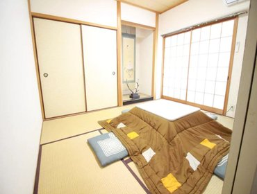 Апартаменты BB 4 Bedroom Apartment in Kobe