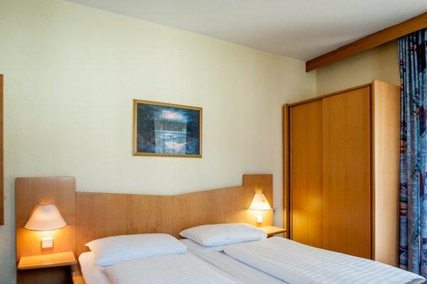 Hotel Charlotte - 4