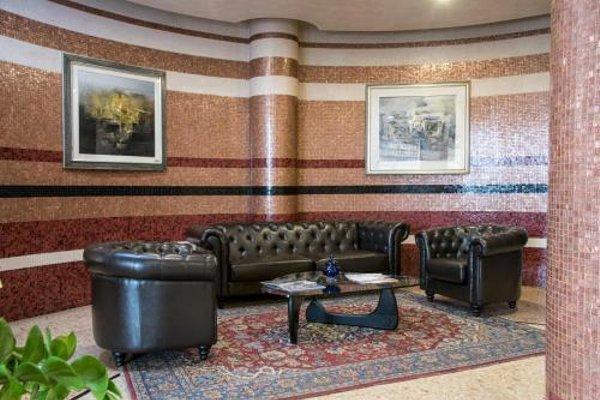 Marchi Hotel - фото 8