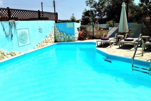 Rose Garden Villa Peristerona - фото 50