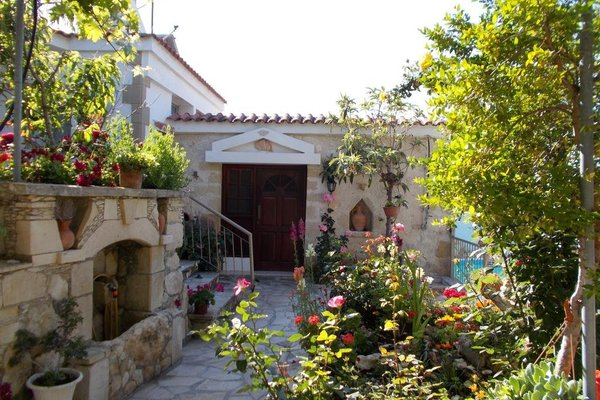 Rose Garden Villa Peristerona - фото 19