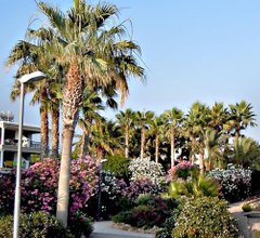 Rododafni Beach Apartments