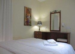 Mackenzie Beach Hotel & Apartments фото 3