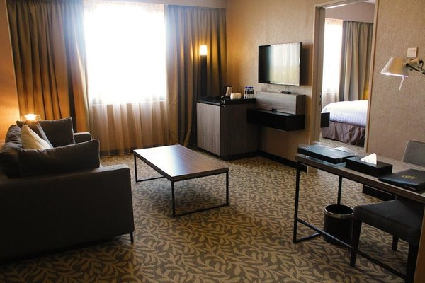Grand Alora Hotel - 4