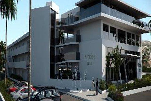 Nicholas Color Hotel - фото 50