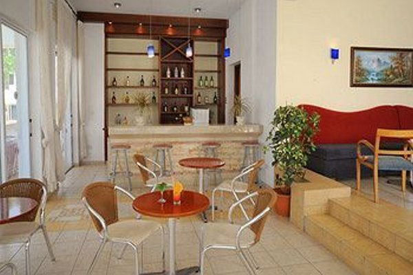 Petrosana Hotel Apartments - фото 10