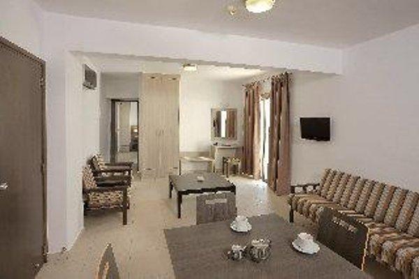 Petrosana Hotel Apartments - фото 4