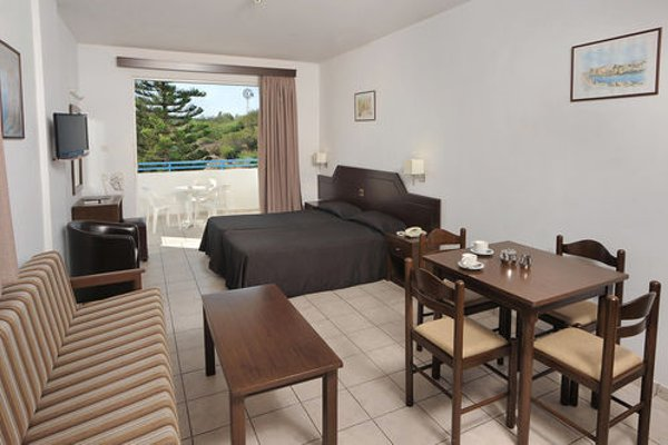 Petrosana Hotel Apartments - фото 5
