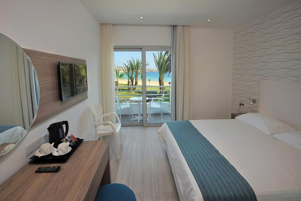 Okeanos Beach Hotel - фото 4
